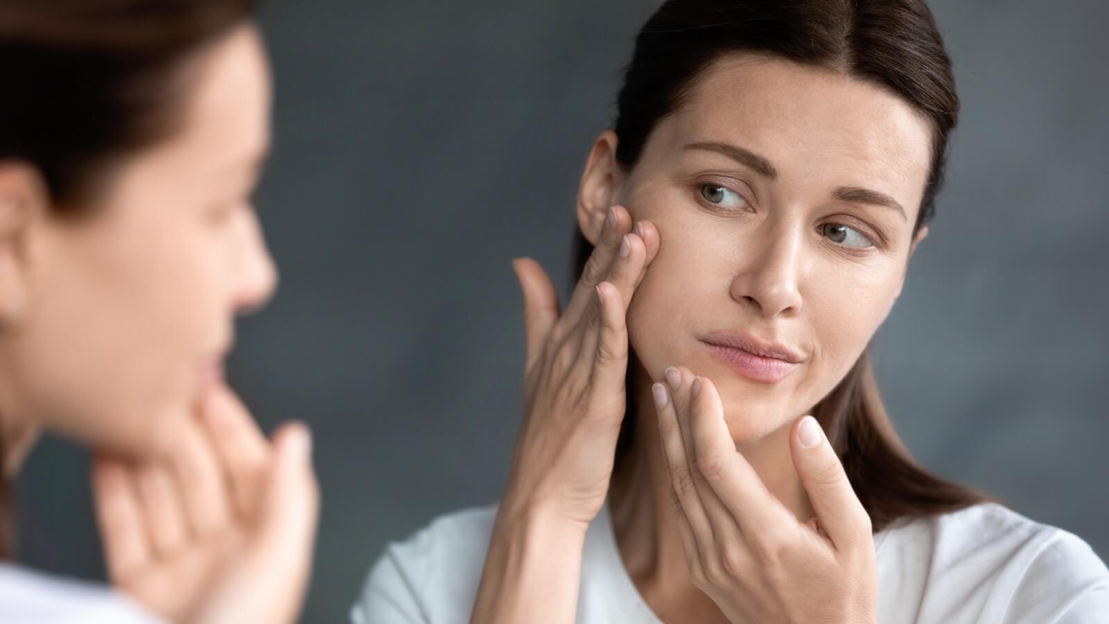 Piel seca y escamosa: síntomas, causas y tratamientos más efectivos